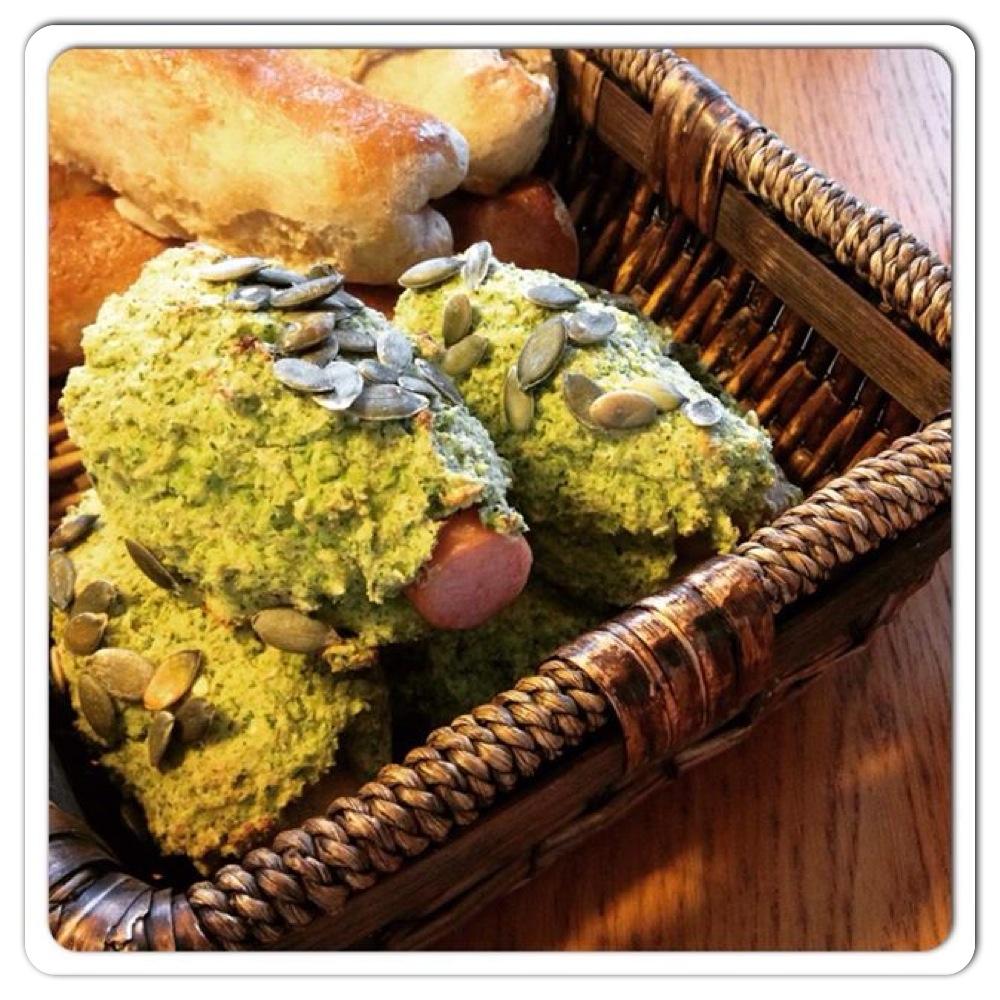 Glutenfri og grønne pølsehorn;-)