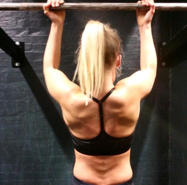 Fitnesspigens guide til chin ups og pullups